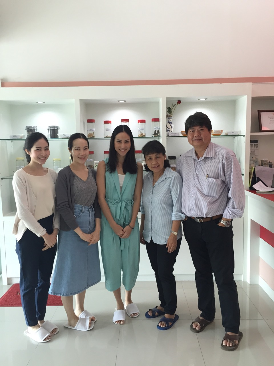 Board of Napatkawin Company in Bangkok visited Manose Health and Beauty Research Center