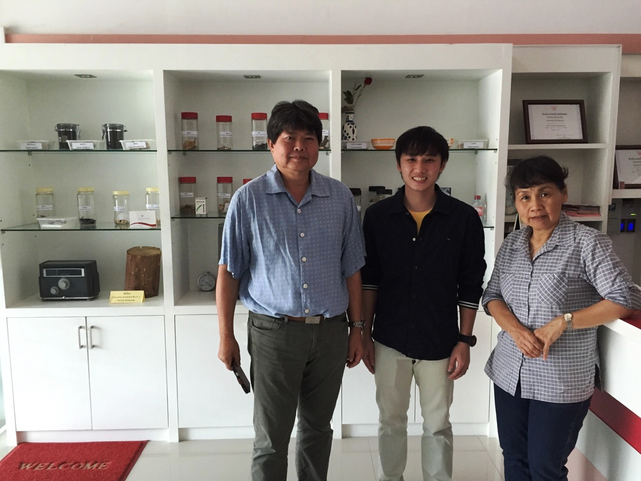 Dr. Korawinwit Boonpisuttinan visited Manose Health and Beauty Research Center
