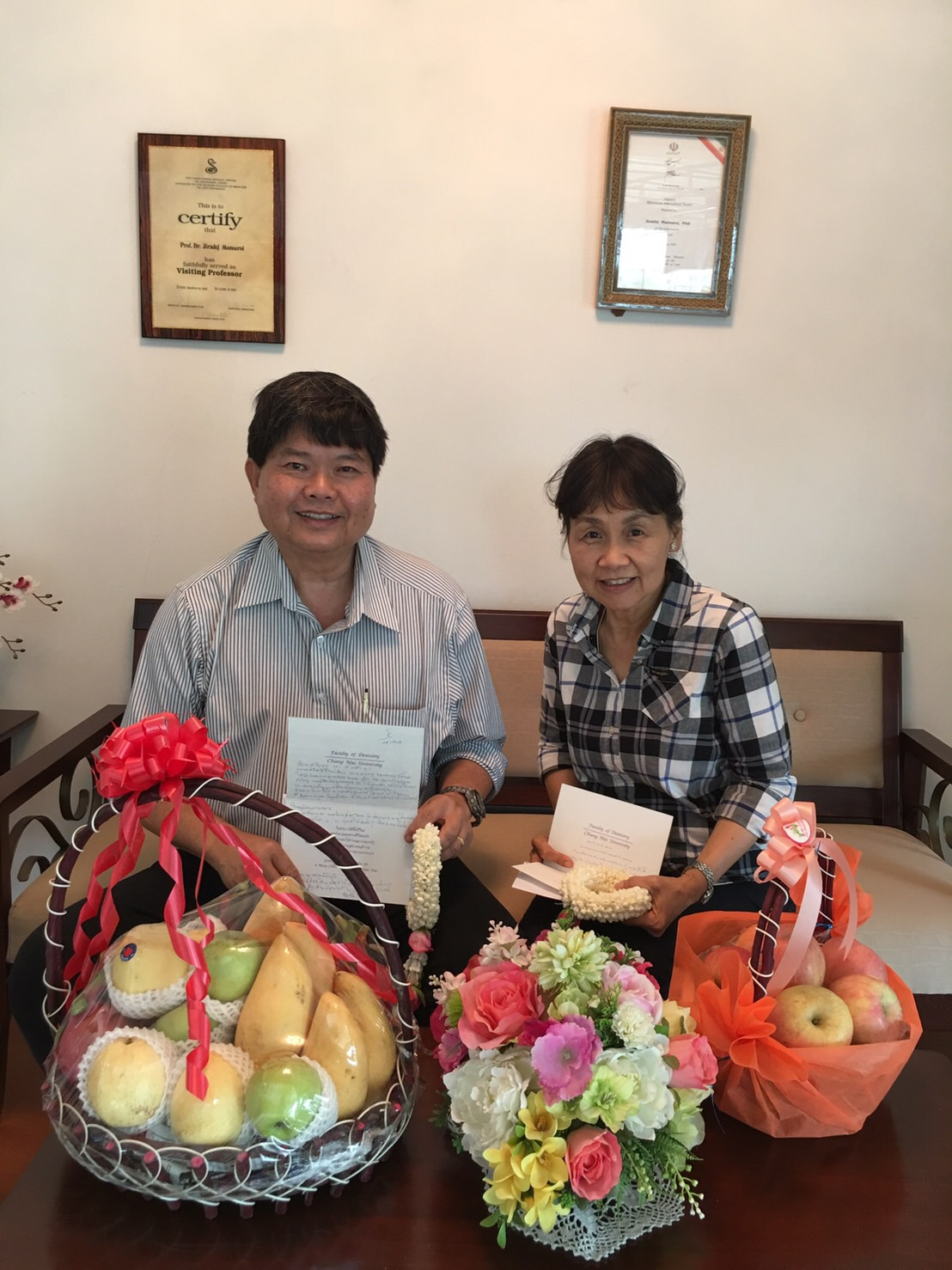 Asst. Prof. Dr. Kassara Pattamapun and Prof. Dr. Chatchai Tayapiwatana have come to pay respect to the board of Manose Health and Beauty Research Center on the occasion of Thai New Year (Songkran Festival)