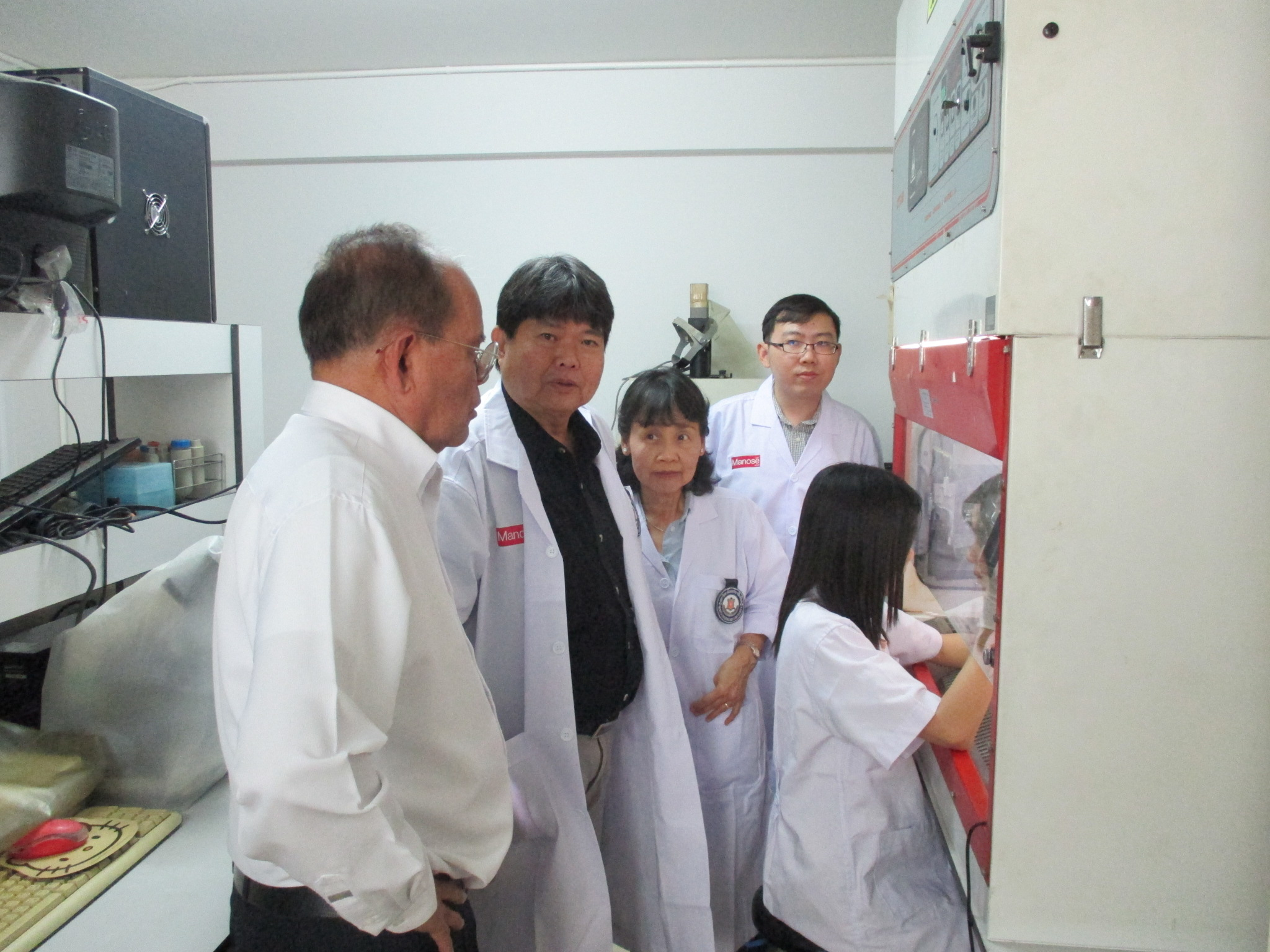 Dr. Vivat Sethachuay, President Assistant of  North-Chiang Mai University and Mr. Jetnarong Khampeng have visited Manose Health and Beauty Research Center