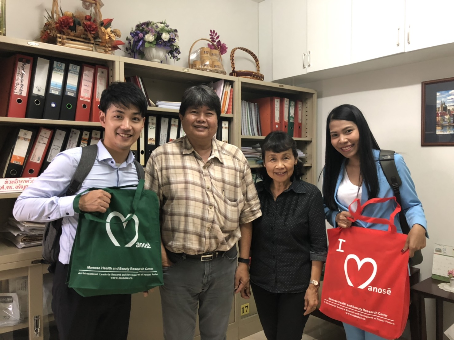 Mr.Yusuke Yamakita, Manager and the sale representative from Inabata Thai Co., Ltd. have visited Manose Health and Beauty Research Center